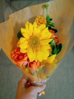 黄色とオレンジの花束